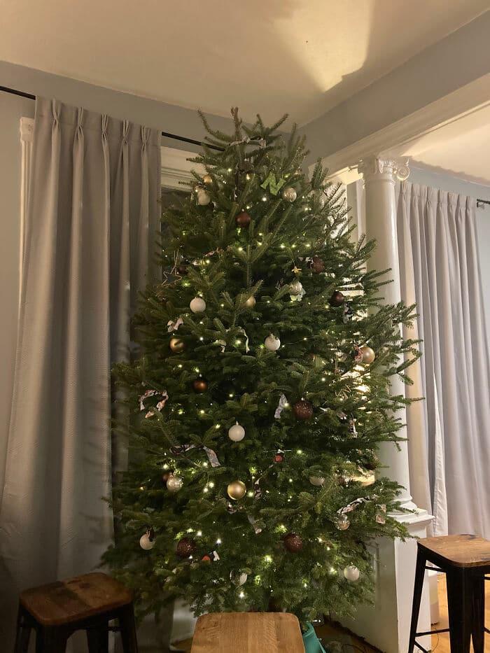Ei, leitores, compartilhem sua árvore de Natal conosco 6