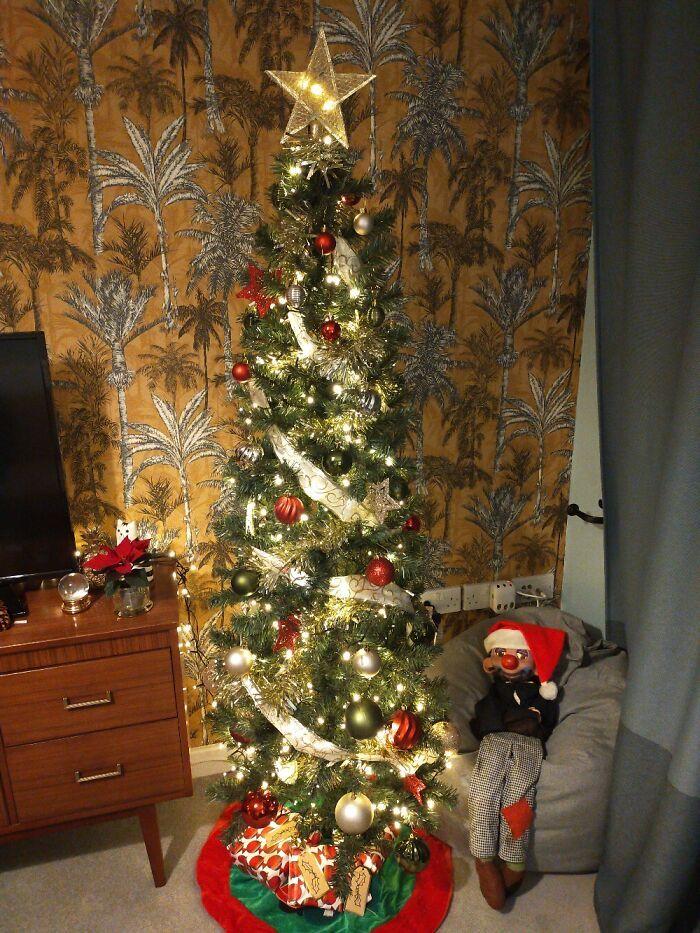 Ei, leitores, compartilhem sua árvore de Natal conosco 11