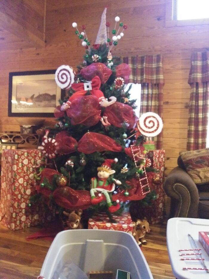 Ei, leitores, compartilhem sua árvore de Natal conosco 17