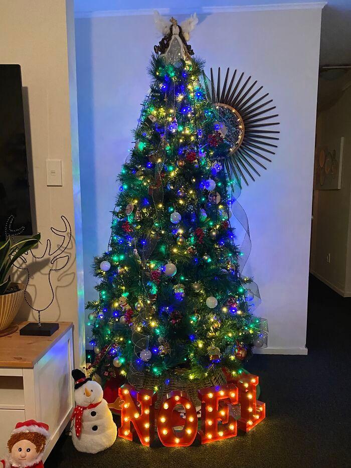 Ei, leitores, compartilhem sua árvore de Natal conosco 22