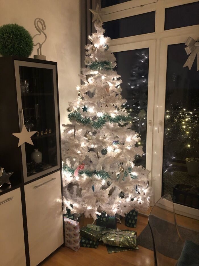 Ei, leitores, compartilhem sua árvore de Natal conosco 29