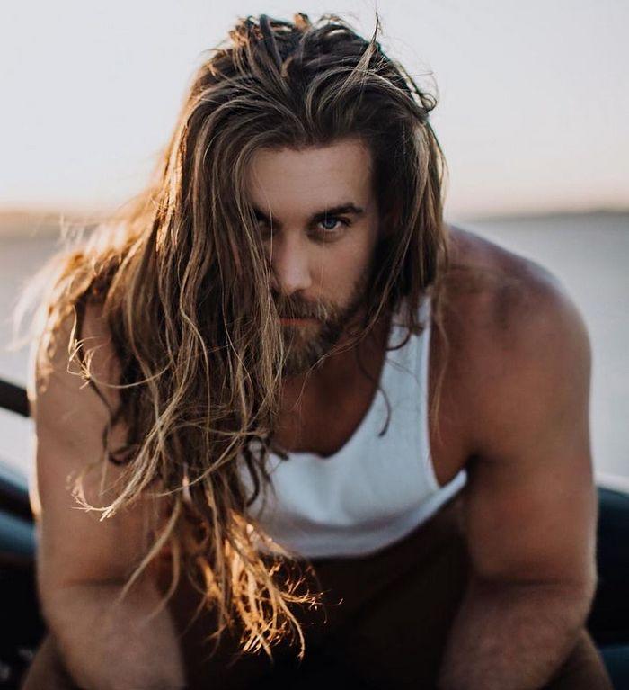 17 homens cujos cabelos podem fazer qualquer mulher chorar de inveja 13