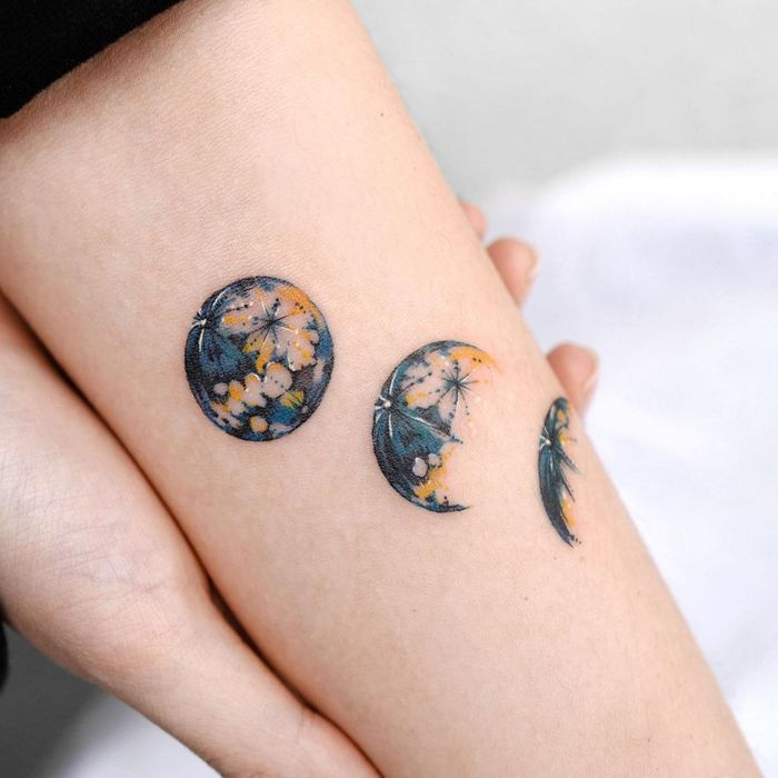 14 ideias de tatuagem de lua em aquarela 5
