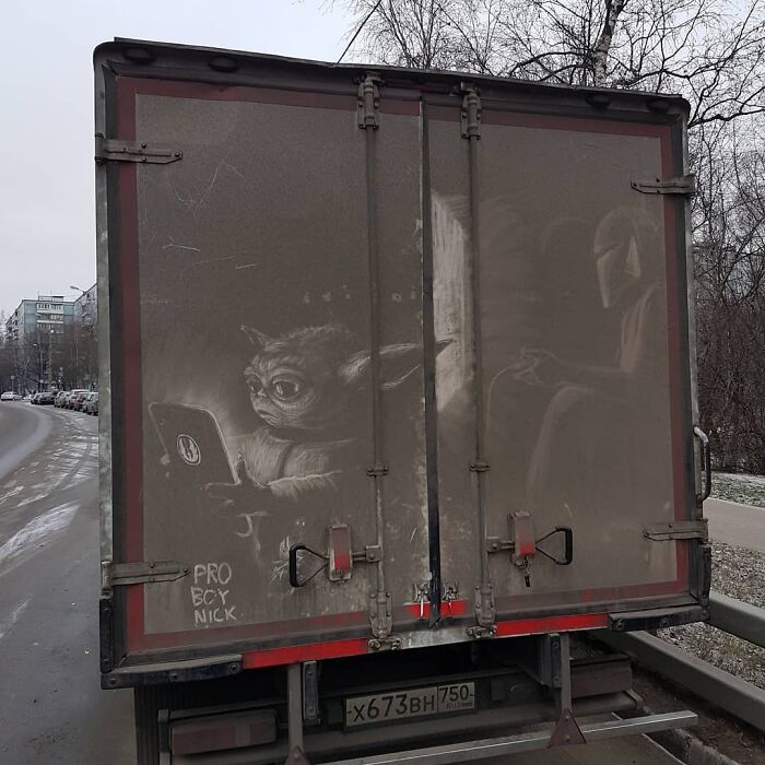 Donos de caminhões sujos encontram desenhos incríveis em seus veículos deixados por este artista 30