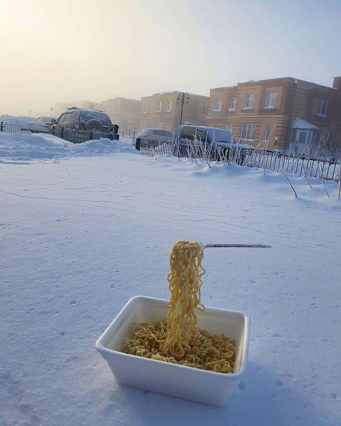 30 fotos que mostram o quão insuportável está o frio na Rússia agora 16