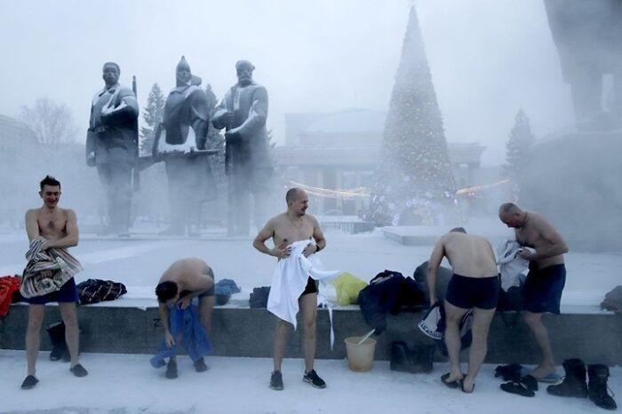 30 fotos que mostram o quão insuportável está o frio na Rússia agora 18