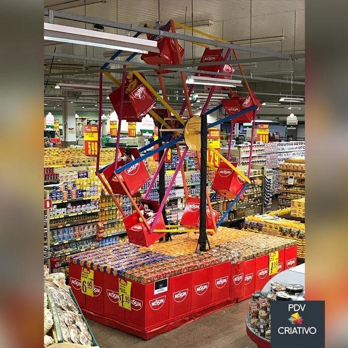 26 gênios brasileiros da decoração de supermercado 7