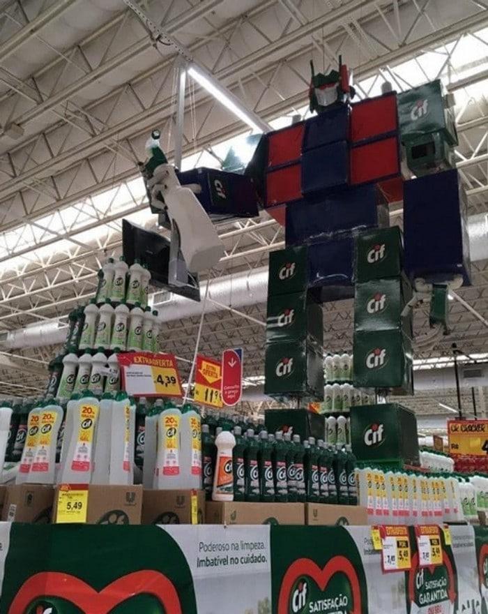 26 gênios brasileiros da decoração de supermercado 21