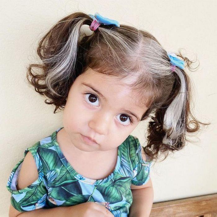 A bebê que nasceu com cabelo grisalhos é a prova de que nossos defeitos nos tornam mais bonitos 8