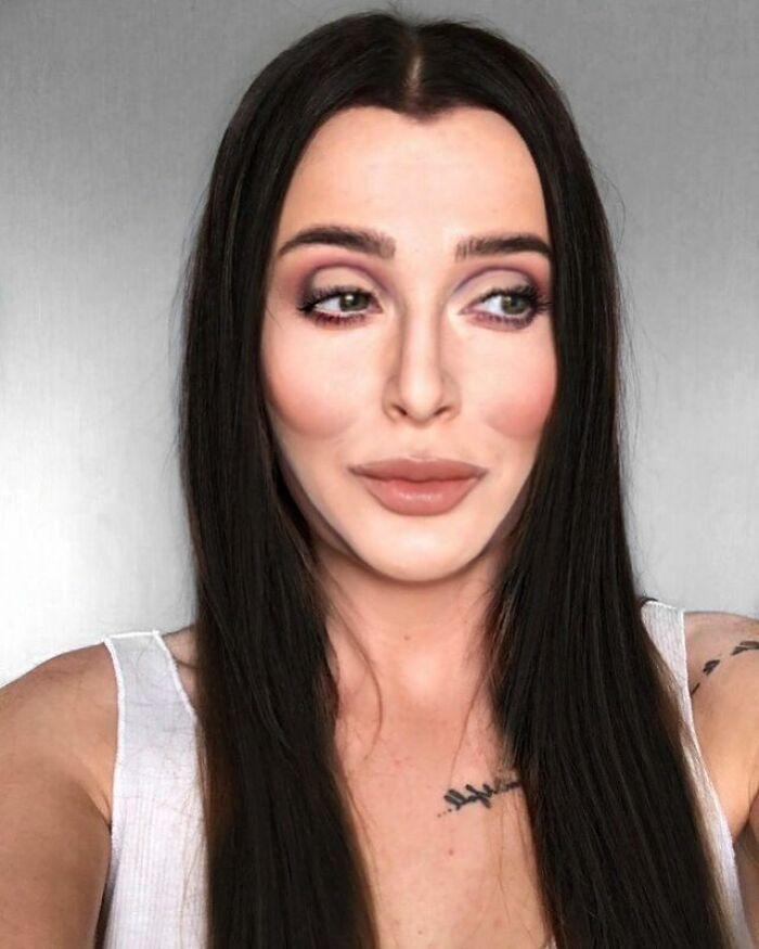 Artista de maquiagem se transforma em qualquer celebridade ou ilusão de ótica que ela deseja 5