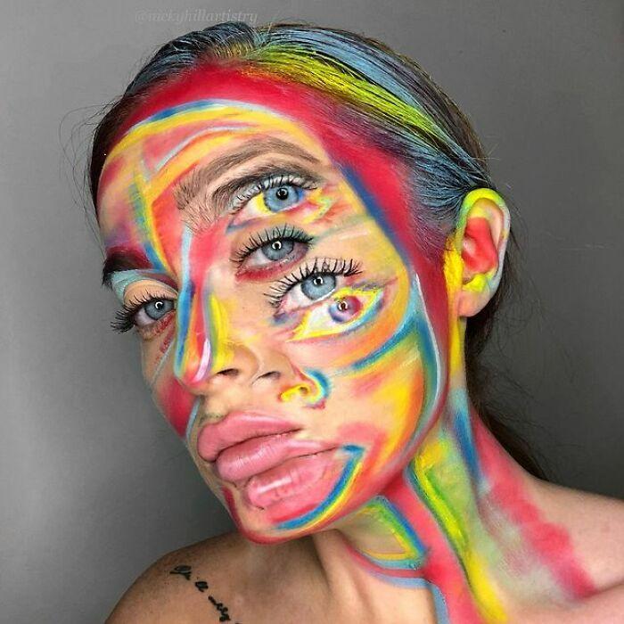 Artista de maquiagem se transforma em qualquer celebridade ou ilusão de ótica que ela deseja 29