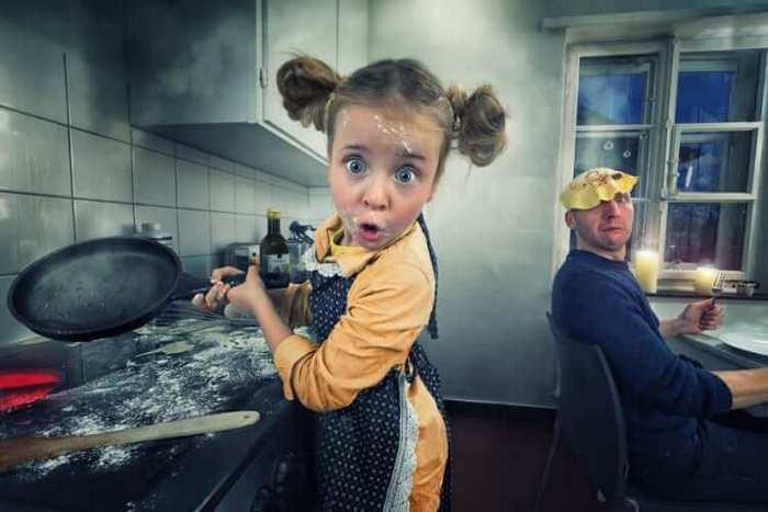 Fotógrafo cria manipulações extraordinárias com a sua própria família 11