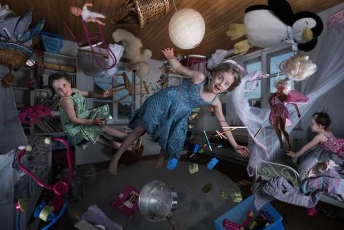 Fotógrafo cria manipulações extraordinárias com a sua própria família 20
