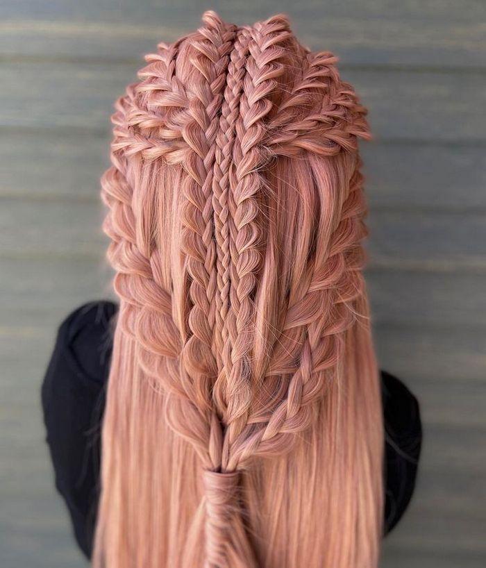 Um cabeleireiro cria penteados incríveis que se tornam virais em um piscar de olhos 16