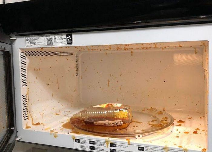 22 pessoas que são verdadeiros desastres na cozinha 10