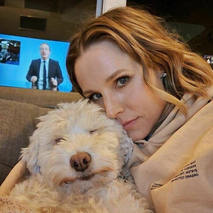 38 celebridades que são verdadeiros amantes de cães 28