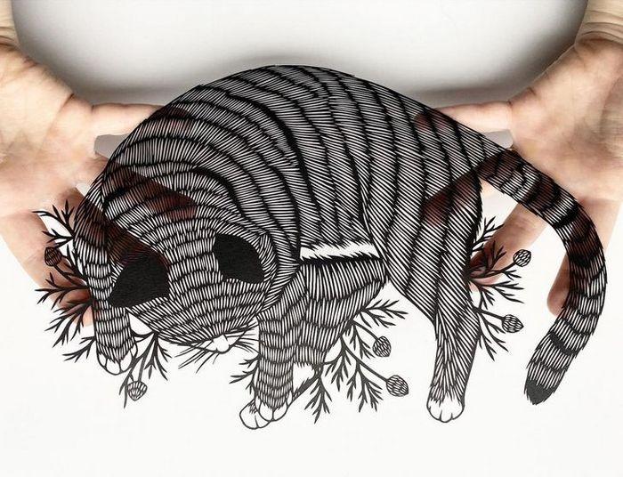 Artista faz obras de artes extremamente complexas com papel e bisturi 7
