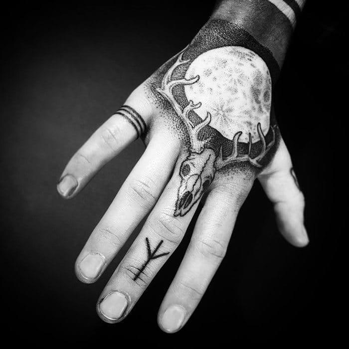 52 melhores tatuagem Viking e Nórdica para você se inspirar 27