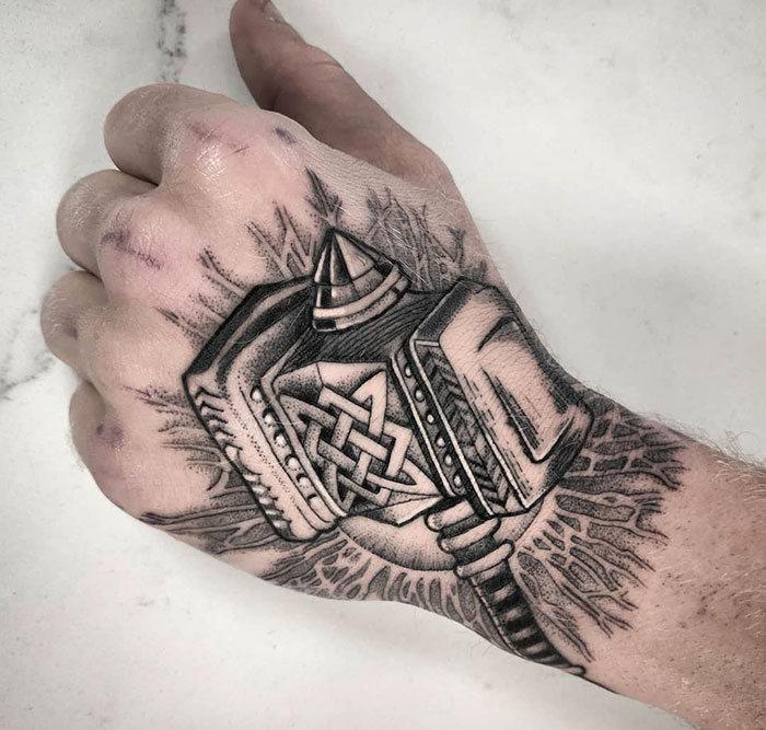 52 melhores tatuagem Viking e Nórdica para você se inspirar 50