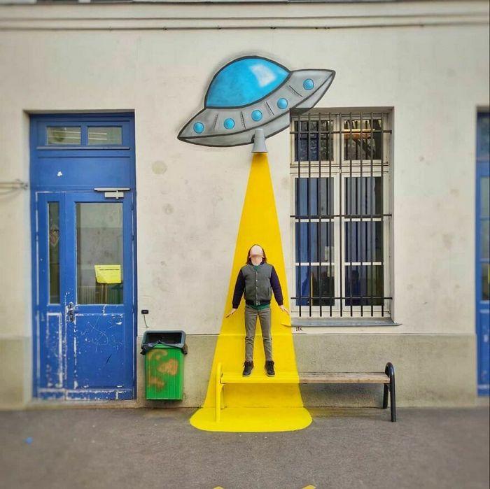 Artista francês cria arte humorística nas ruas de Paris 7