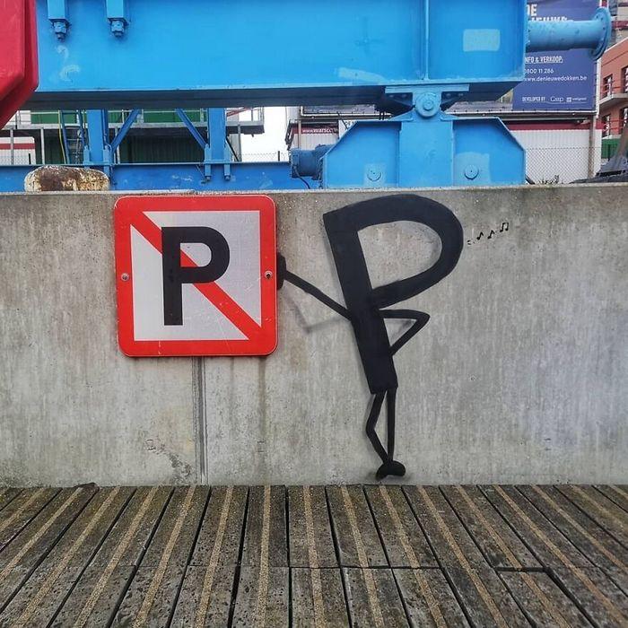 Artista francês cria arte humorística nas ruas de Paris 8
