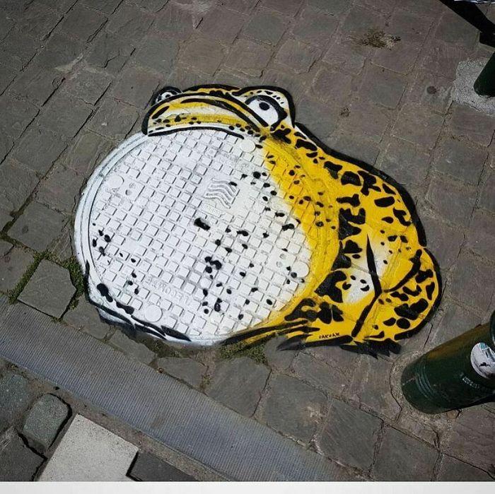 Artista francês cria arte humorística nas ruas de Paris 11