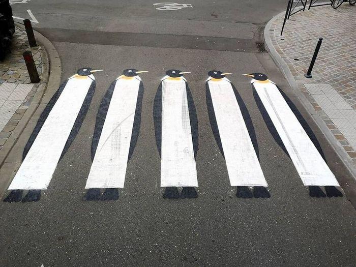 Artista francês cria arte humorística nas ruas de Paris 22