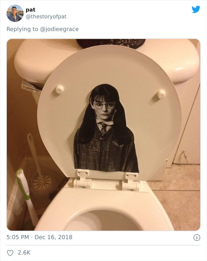 31 coisas estranhas nos banheiros dos rapazes 18