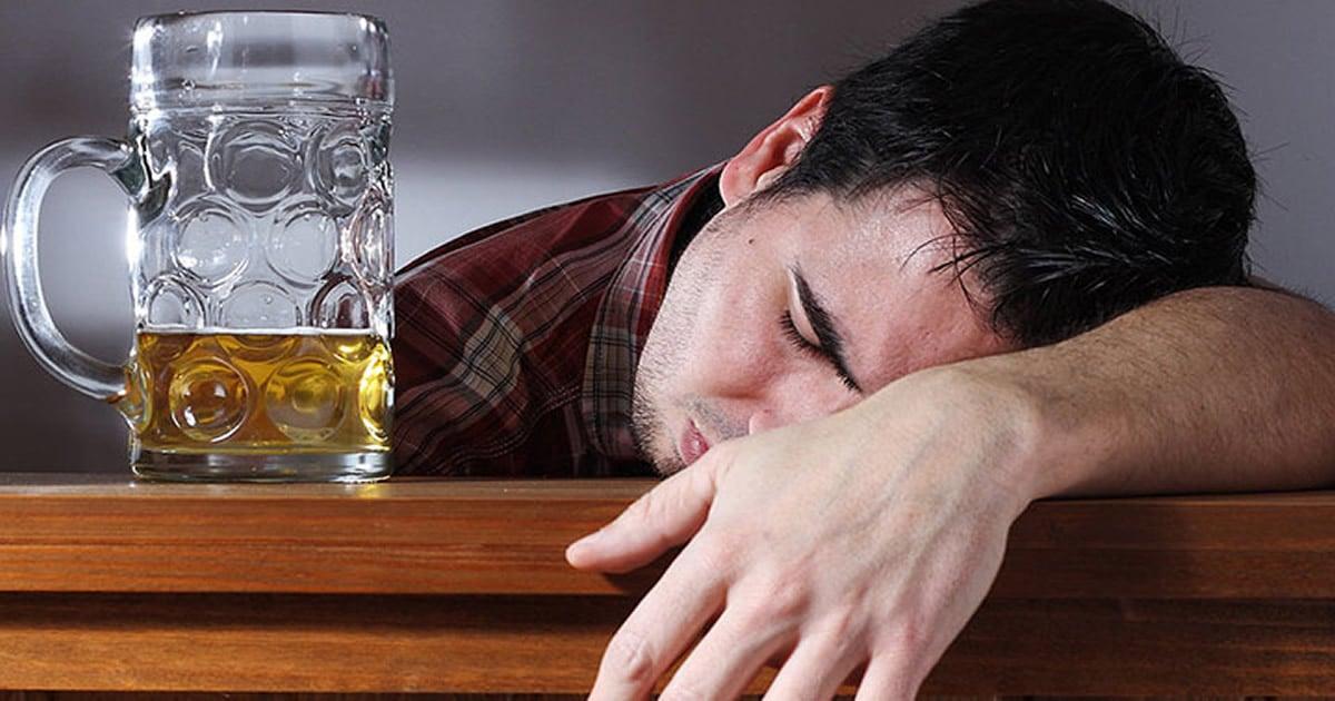 16 histórias engraçadas de bêbados que vão fazer você pensar duas vezes antes de encher a cara