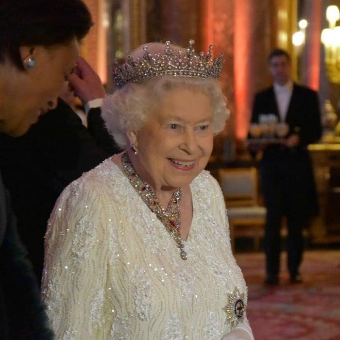 39 regras da realeza britânica que não faz sentido no pleno século 21 22