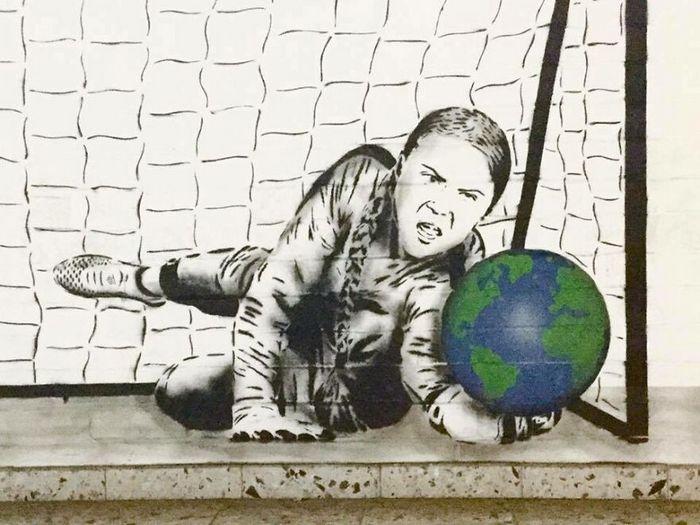 Artista criar grafites que interagem com os arredores (30 fotos) 4