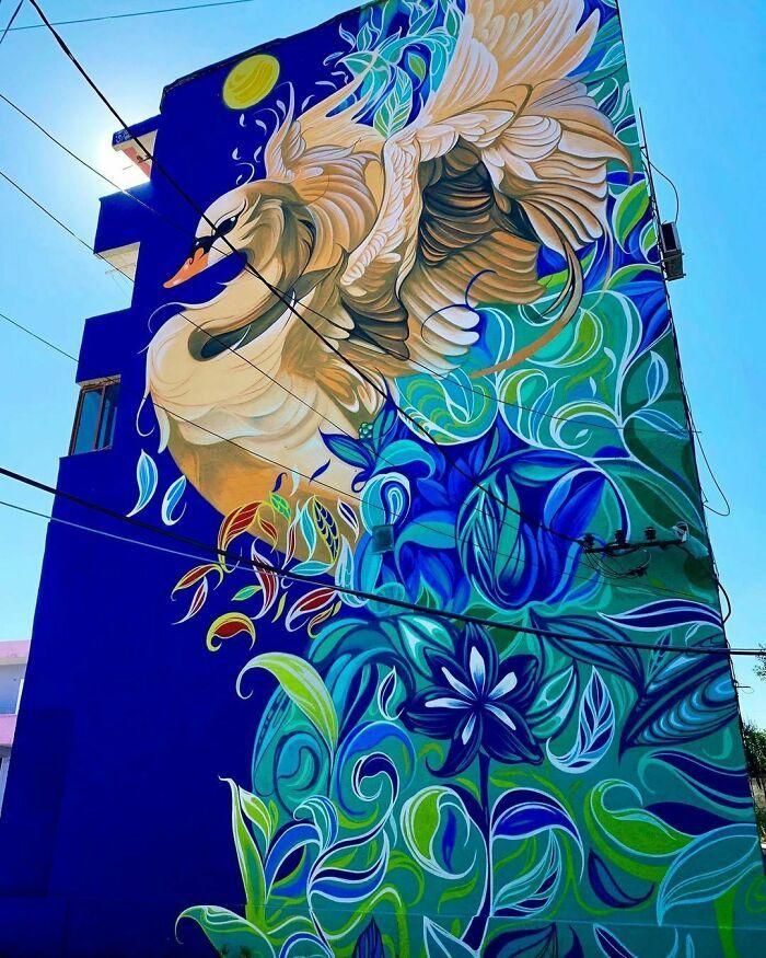 32 edifícios decorados com hipnotizantes murais de vida selvagem 27