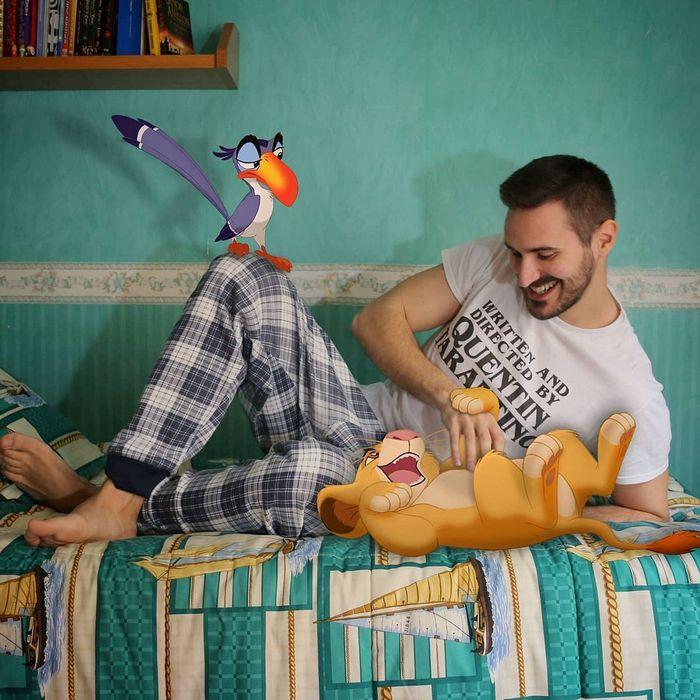 22 fotos de um professor que faz montagens com personagens da Disney, para ver como seria viver com eles 21
