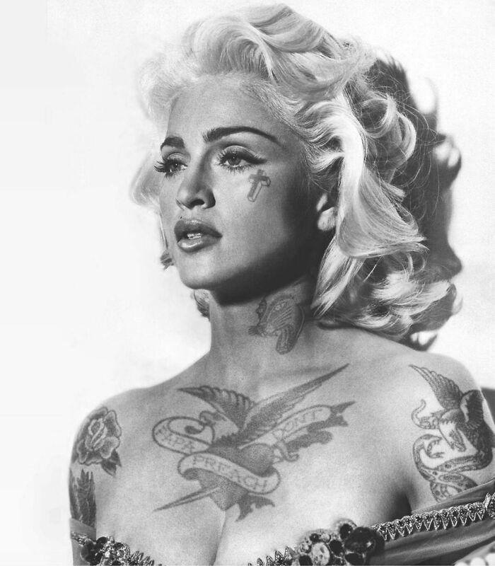 Qual seria a aparência de 48 celebridades se tivessem tatuagens legais 29