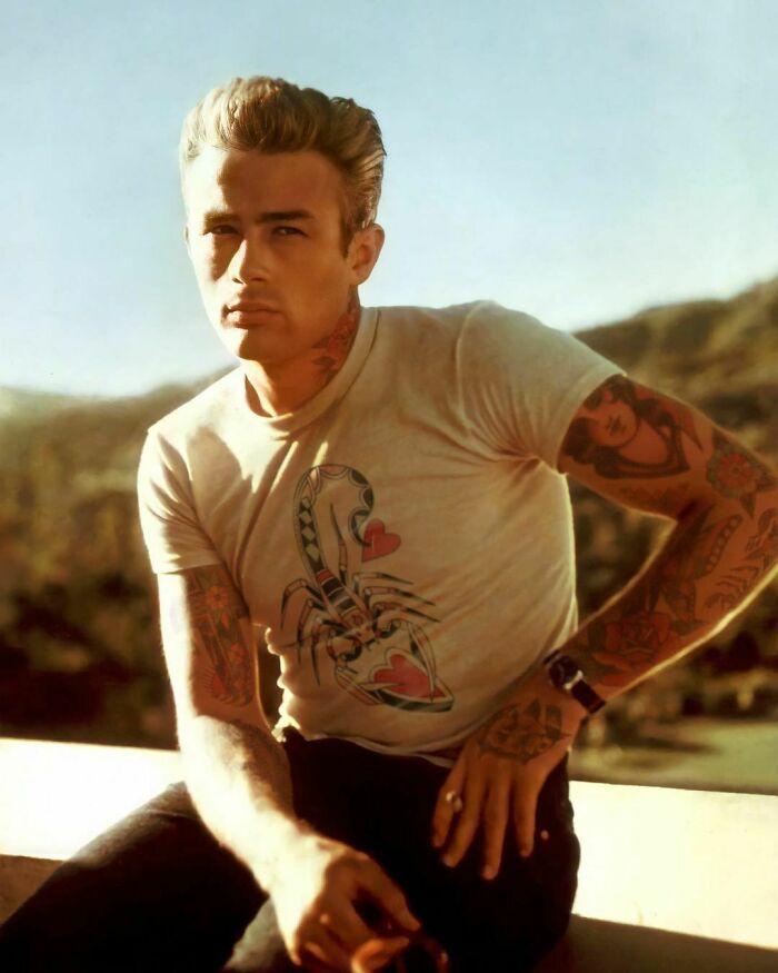 Qual seria a aparência de 48 celebridades se tivessem tatuagens legais 46