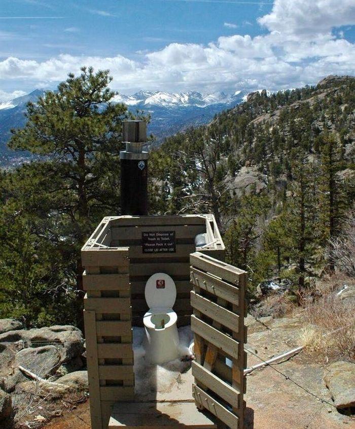 17 banheiros que dão a chance de admirar a paisagem 11
