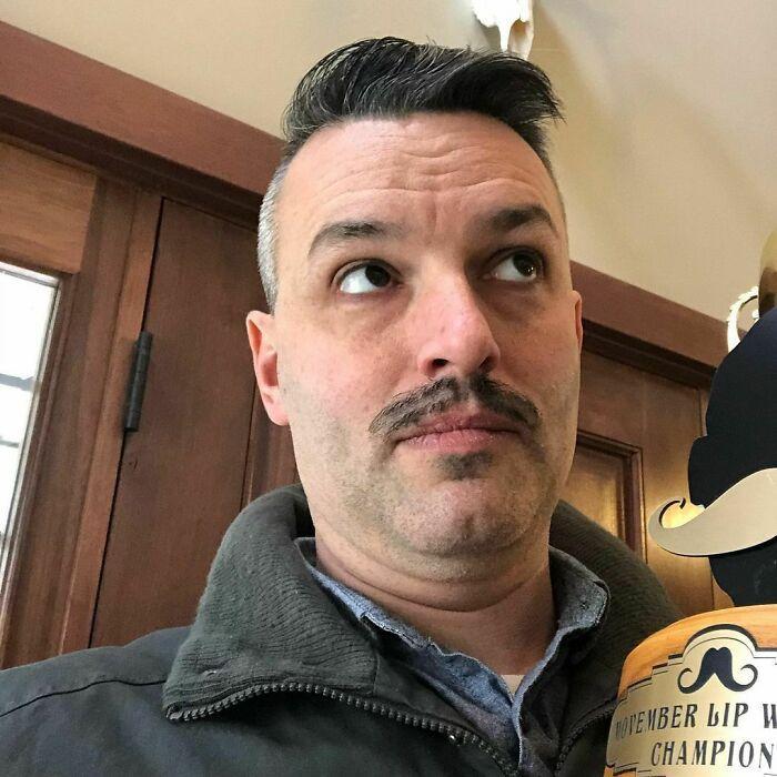 38 homens que pensaram que um bigode duplo era uma boa ideia 4