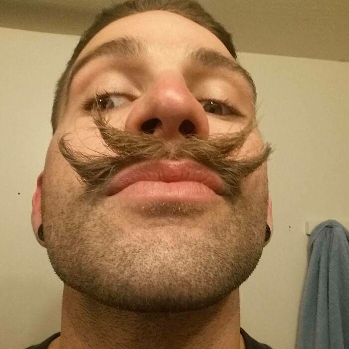 38 homens que pensaram que um bigode duplo era uma boa ideia 7