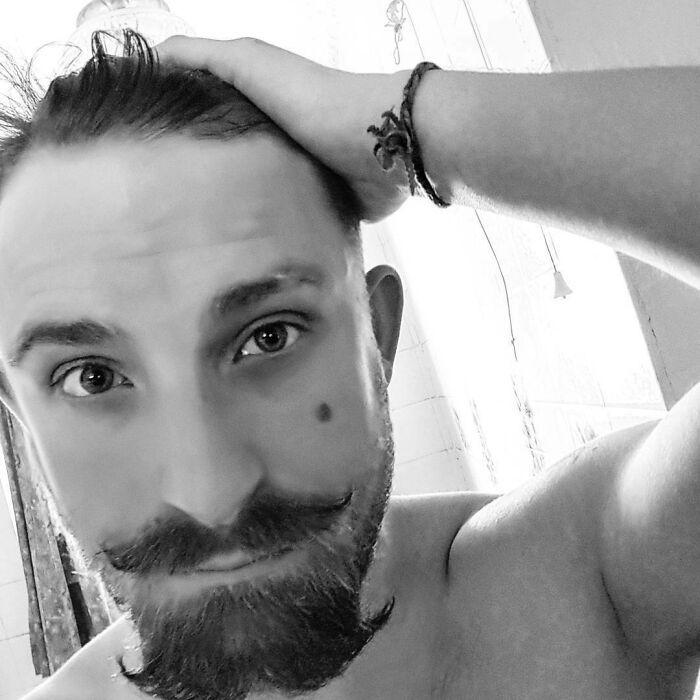38 homens que pensaram que um bigode duplo era uma boa ideia 8