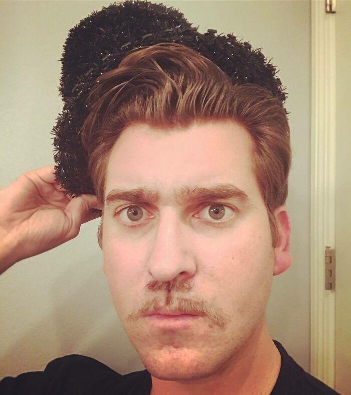 38 homens que pensaram que um bigode duplo era uma boa ideia 12
