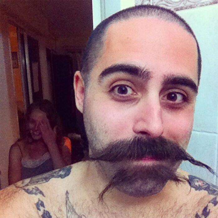 38 homens que pensaram que um bigode duplo era uma boa ideia 23