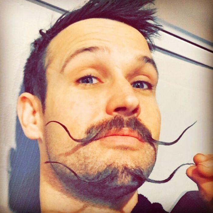 38 homens que pensaram que um bigode duplo era uma boa ideia 25