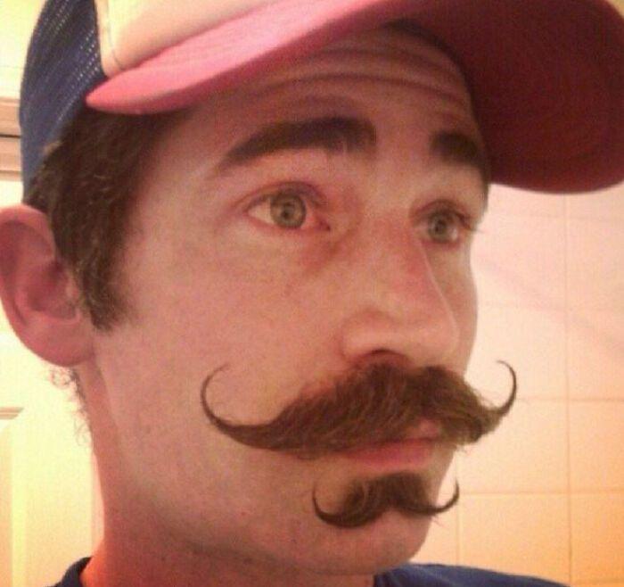 38 homens que pensaram que um bigode duplo era uma boa ideia 26