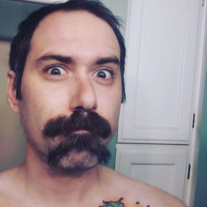 38 homens que pensaram que um bigode duplo era uma boa ideia 32