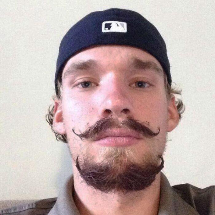38 homens que pensaram que um bigode duplo era uma boa ideia 33