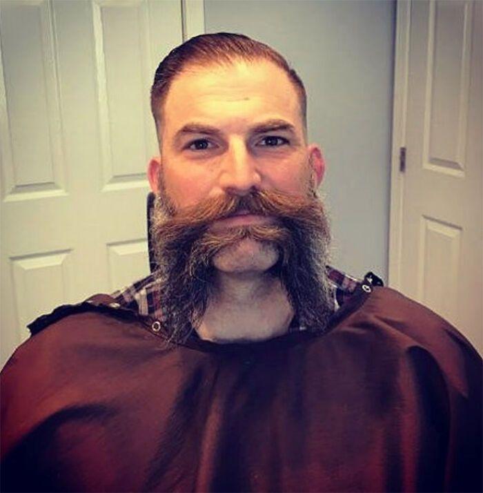 38 homens que pensaram que um bigode duplo era uma boa ideia 34