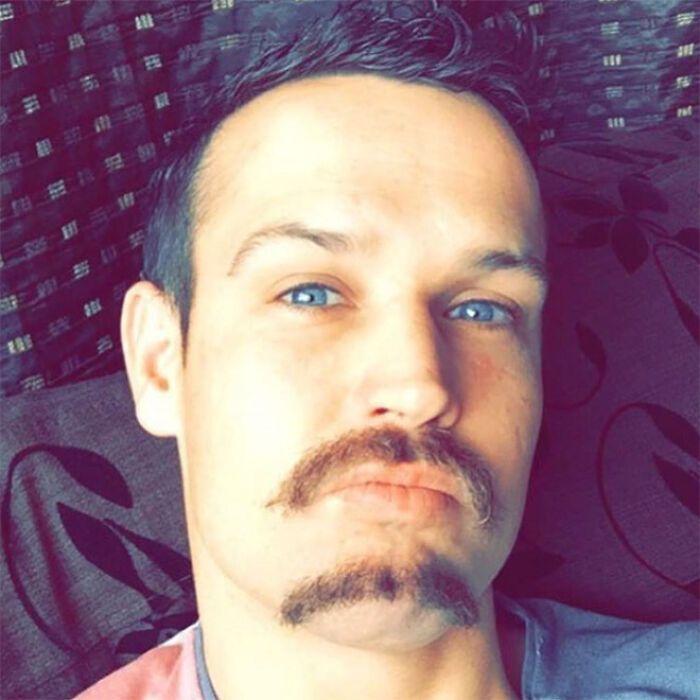 38 homens que pensaram que um bigode duplo era uma boa ideia 35