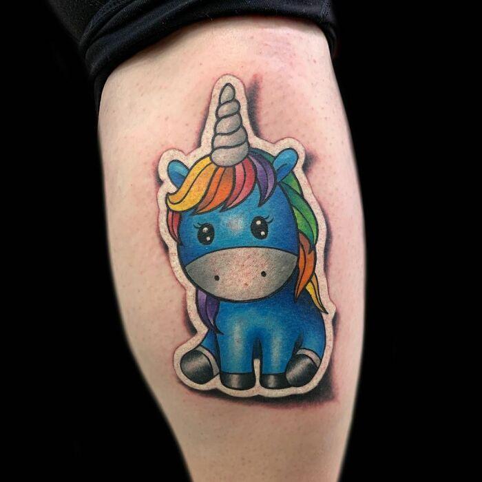 Tatuador cria tatuagens em adesivos que parecem reais (54 fotos) 29