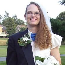 Vestidos de noiva que nunca deveriam ter saído da teoria