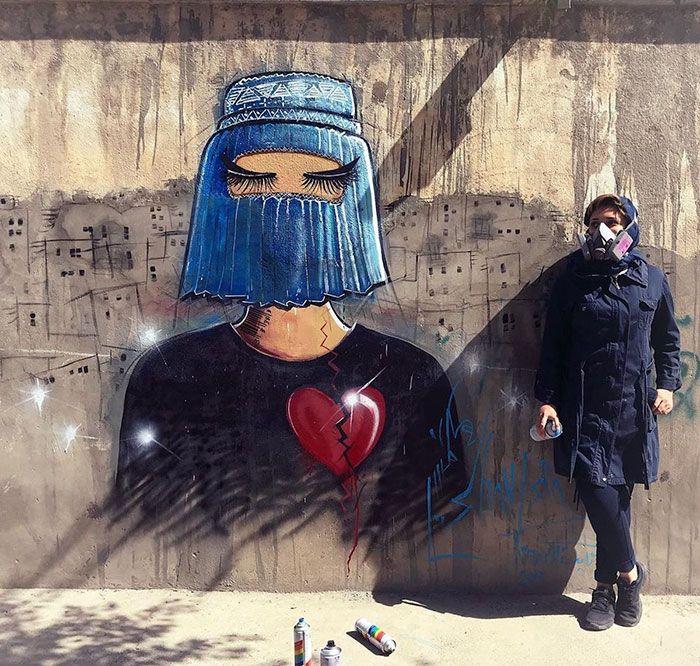 42 obras de arte tocantes da primeira artista de rua feminina do Afeganistão, Shamsia Hassani 3